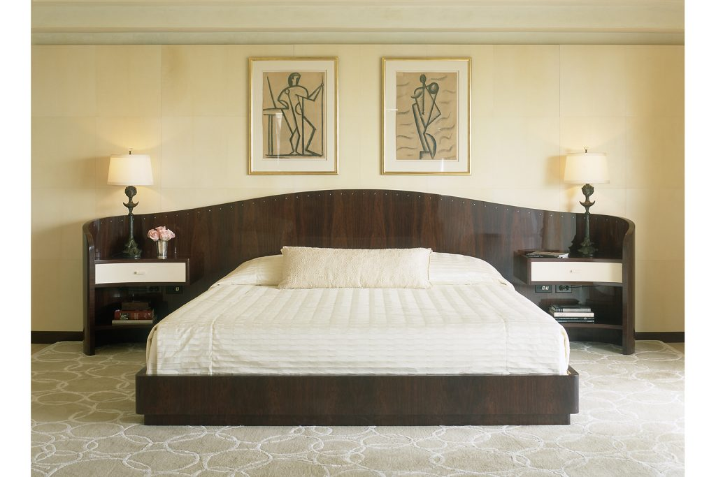 Bed in Rosewood with Mother of Pearl Inlay
