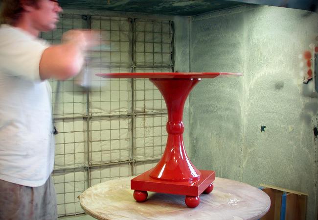 daniel-boulud-lacquered-tables (2)