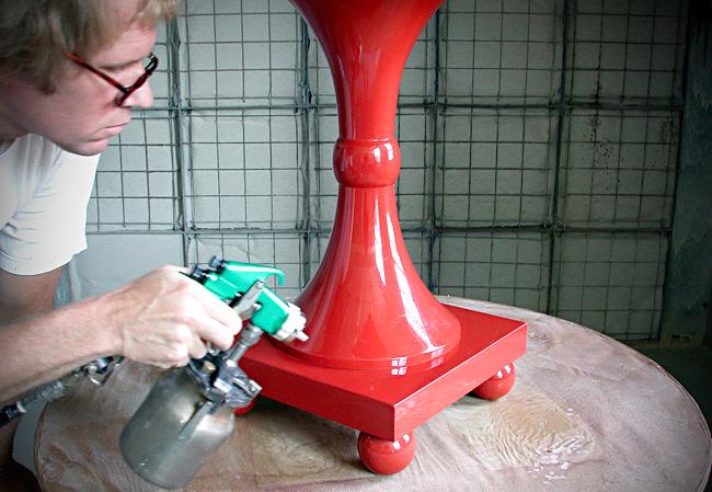 daniel-boulud-lacquered-tables (3)