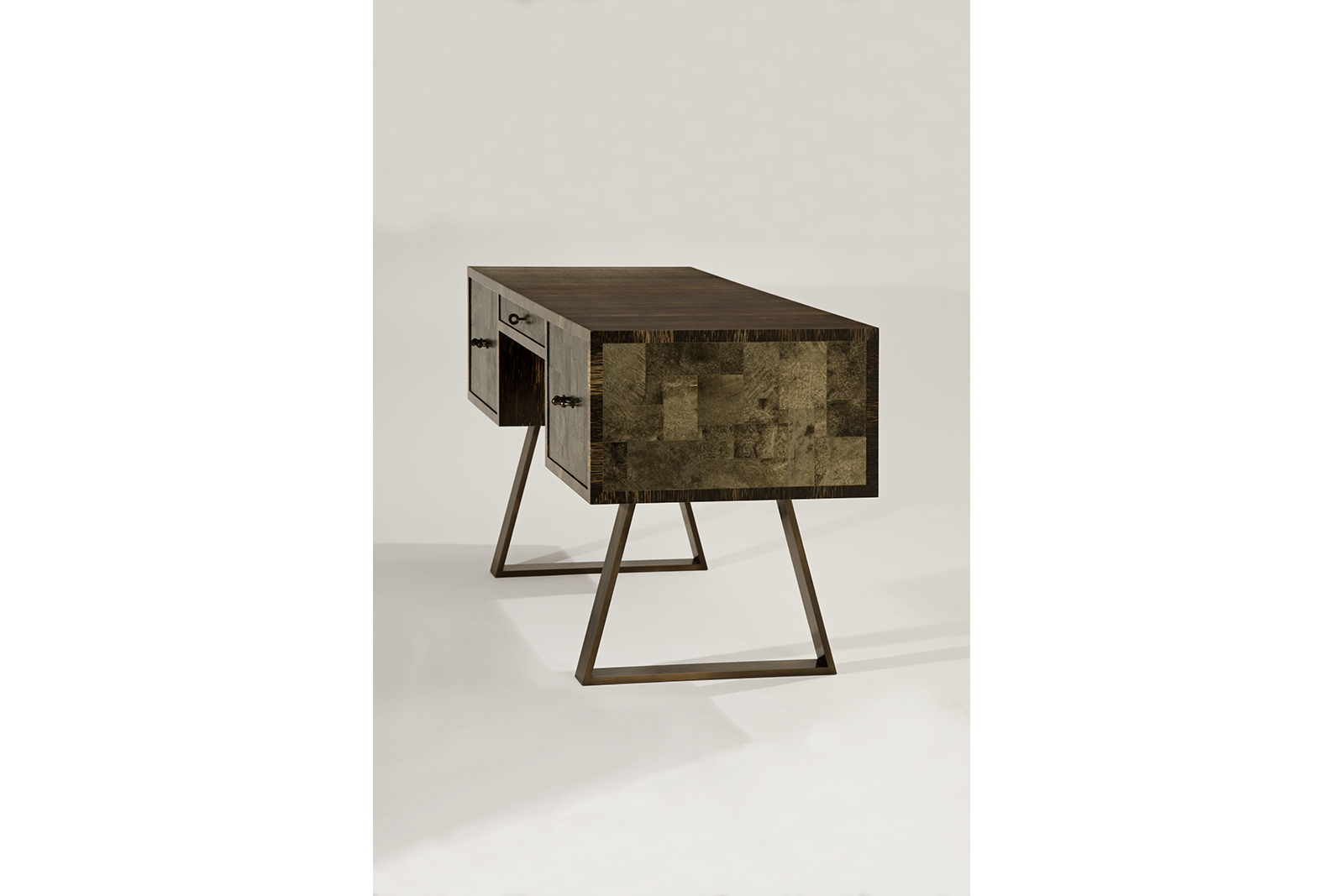 Desk in Palmwood, Mica & Patinated Bronze