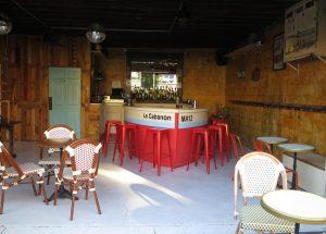 Fada's Boat-Shaped Bar